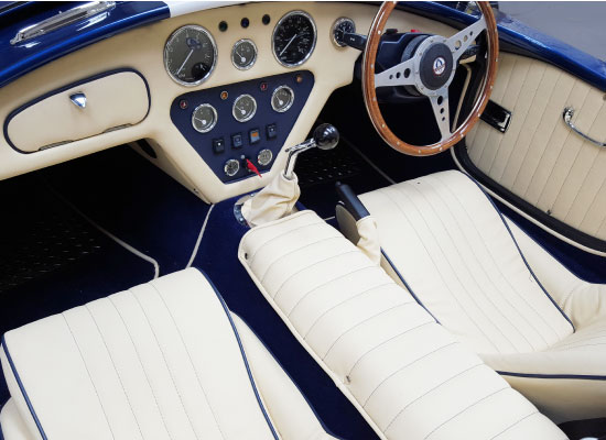 classic-car-leather-retrim-dash